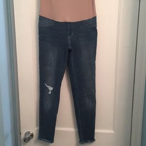 NWOT Just Black Maternity Distressed Skinny Jeans